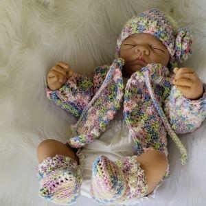 Handmade 💗 sweater set for baby